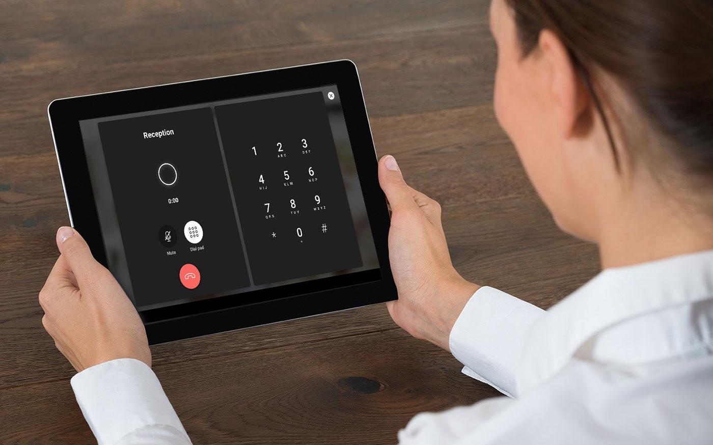 SuitePad Telefonie: die kostengünstige Alternative zum klassischen Hotel Telefon