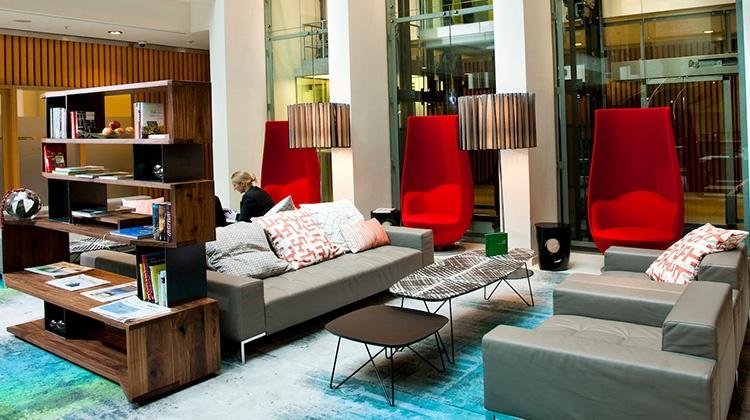 Das Swissôtel Berlin nutzt die digitale Gästemappe von SuitePad